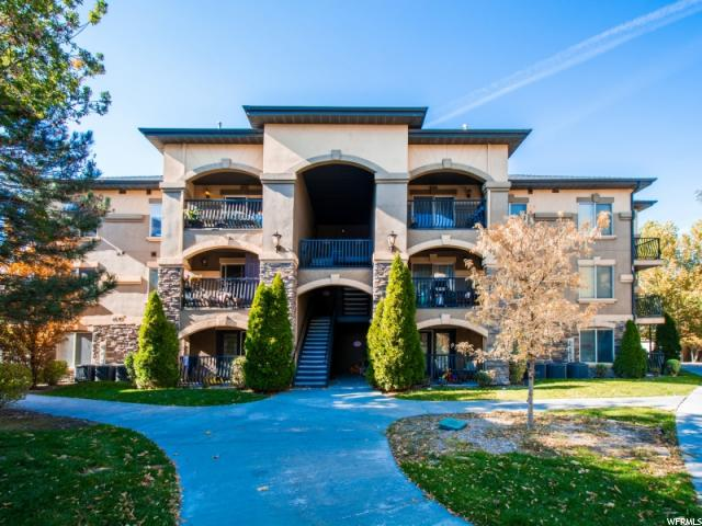共管式独立产权公寓 为 销售 在 631 S 2220 W 631 S 2220 W Unit: 304 Pleasant Grove, 犹他州 84062 美国