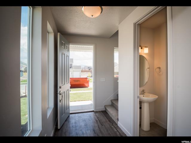 Additional photo for property listing at 13019 S SUMMERDALE Drive 13019 S SUMMERDALE Drive Unit: 10 Herriman, Utah 84096 États-Unis