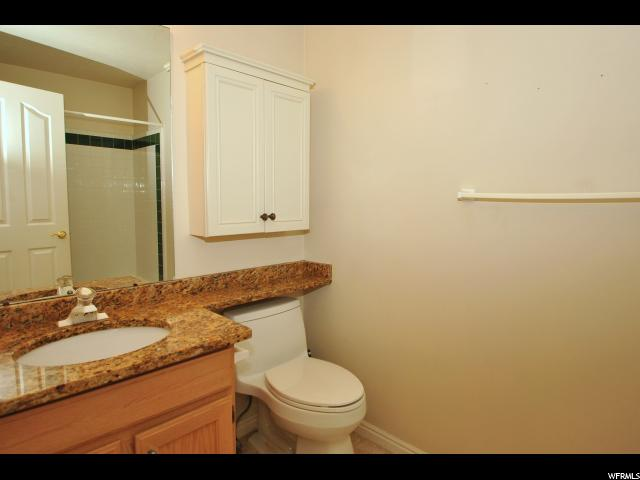 Additional photo for property listing at 137 W 275 N 137 W 275 N Centerville, Юта 84014 Соединенные Штаты