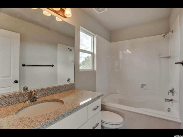 Additional photo for property listing at 430 N 660 E 430 N 660 E 奥格登, 犹他州 84404 美国