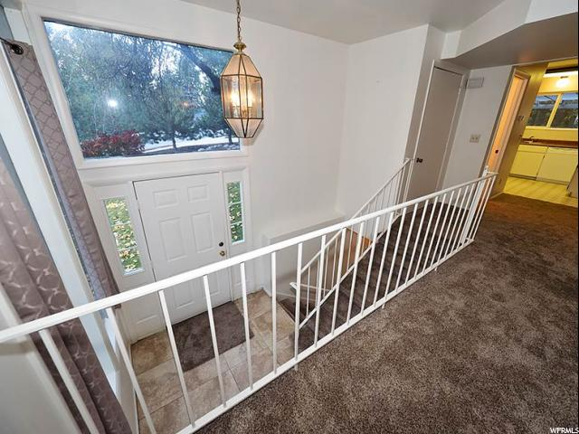 Additional photo for property listing at 7736 S AVONDALE Drive 7736 S AVONDALE Drive Cottonwood Heights, Utah 84121 États-Unis