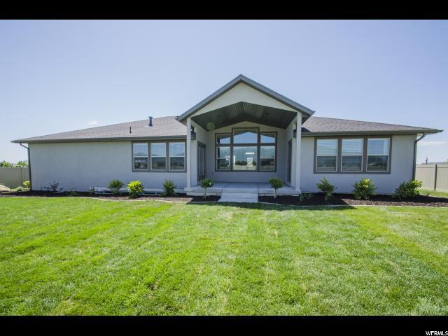 Additional photo for property listing at 3932 W 3625 S 3932 W 3625 S Unit: 18 West Haven, Utah 84401 États-Unis