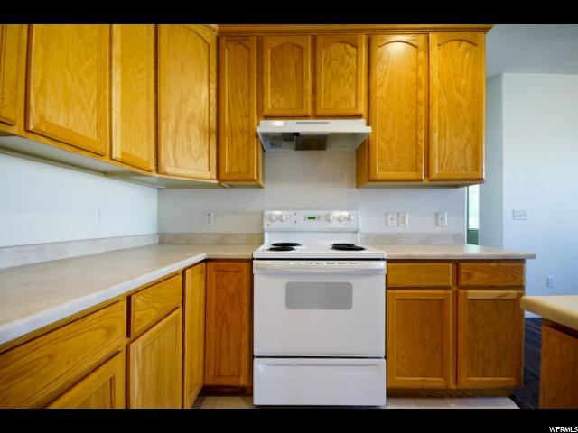Additional photo for property listing at 3481 S LEEDS CV 3481 S LEEDS CV Unit: 106 West Valley City, Utah 84128 États-Unis