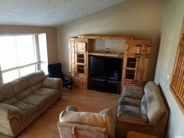 Additional photo for property listing at 6151 W 4330 S 6151 W 4330 S Salt Lake City, Utah 84128 États-Unis