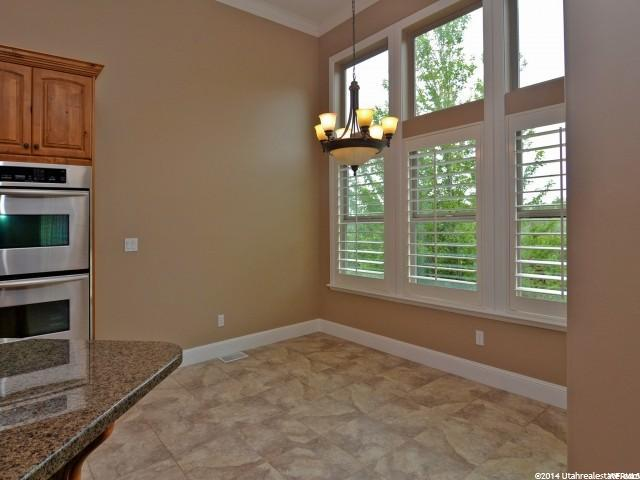 Additional photo for property listing at 1527 HIDDEN SPRINGS PKWY 1527 HIDDEN SPRINGS PKWY Fruit Heights, Utah 84037 États-Unis