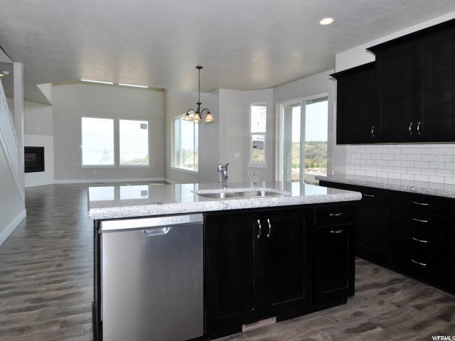 657 W LEROY CIR Saratoga Springs, UT 84045 - MLS #: 1487657