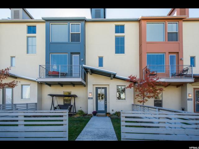 Maison accolée pour l Vente à 4767 W DAYBREAK RIM WAY 4767 W DAYBREAK RIM WAY South Jordan, Utah 84095 États-Unis