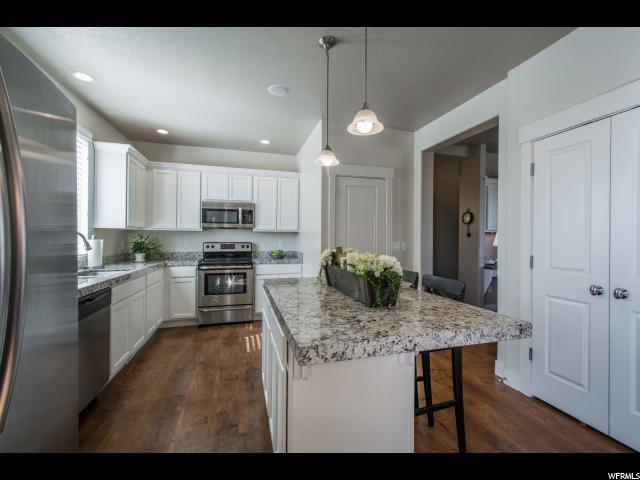Additional photo for property listing at 4767 W DAYBREAK RIM WAY 4767 W DAYBREAK RIM WAY South Jordan, Utah 84095 États-Unis