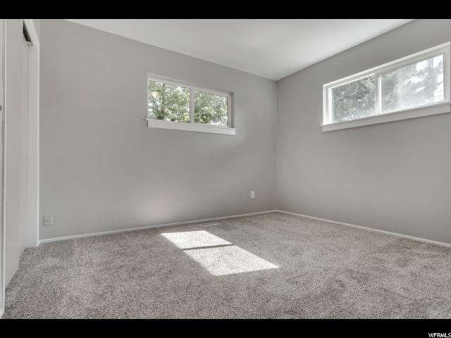 Additional photo for property listing at 4585 W 5215 S 4585 W 5215 S Kearns, Utah 84118 États-Unis