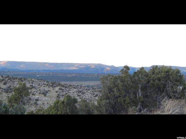 Additional photo for property listing at 1131 N OVERLOOK Drive 1131 N OVERLOOK Drive Maeser, Utah 84078 États-Unis