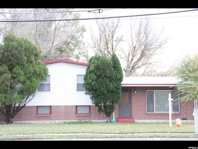 单亲家庭 为 销售 在 2135 W 4100 S 2135 W 4100 S Taylorsville, 犹他州 84119 美国