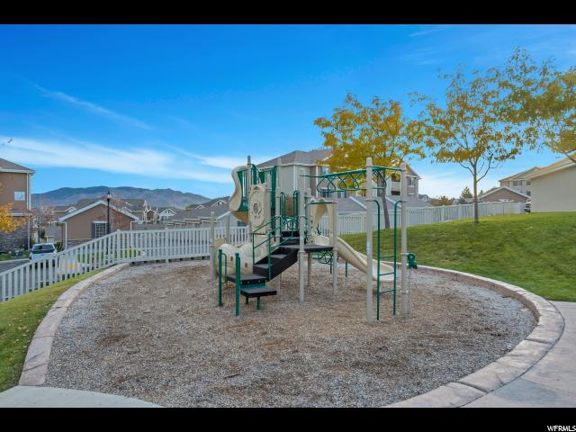 Additional photo for property listing at 129 W SPRINGVIEW Drive 129 W SPRINGVIEW Drive Saratoga Springs, Utah 84045 États-Unis