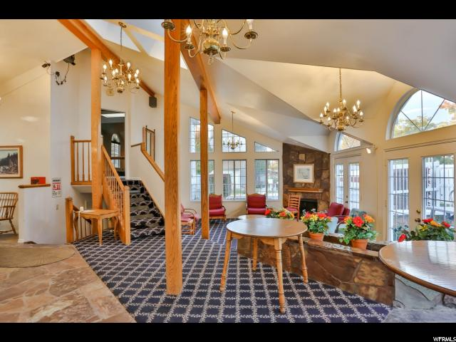 شقة بعمارة للـ Sale في 650 S MAIN Street 650 S MAIN Street Unit: 1302 Bountiful, Utah 84010 United States