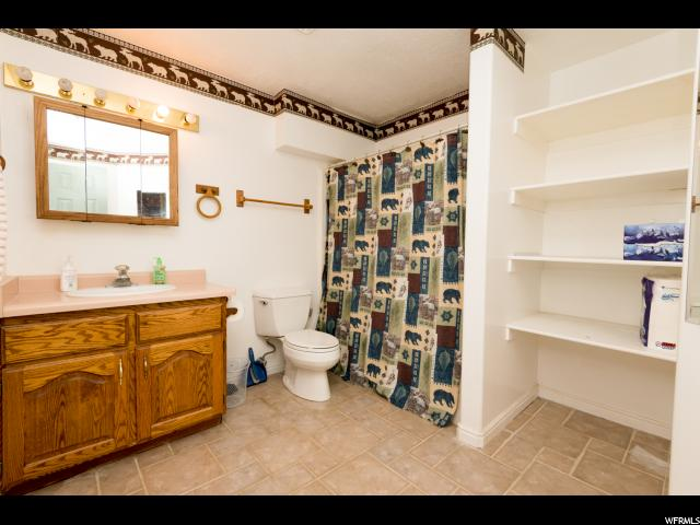 Additional photo for property listing at 2165 E HUNTERS GLEN Drive 2165 E HUNTERS GLEN Drive Layton, Utah 84040 United States