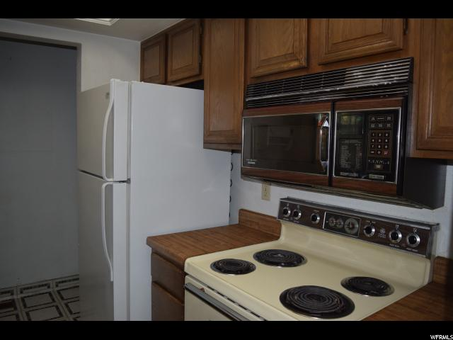 6886 S COUNTRYWOODS CIR Unit 1A Cottonwood Heights, UT 84047 - MLS #: 1488101