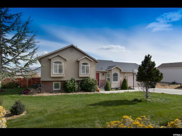 Single Family للـ Sale في 10960 N BRIAN Lane 10960 N BRIAN Lane Thatcher, Utah 84337 United States