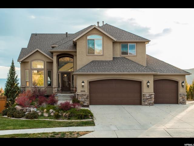 Unique la famille pour l Vente à 2046 E EAGLECREST Drive 2046 E EAGLECREST Drive Draper, Utah 84020 États-Unis