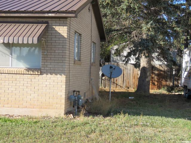 Additional photo for property listing at 540 W 100 N 540 W 100 N Vernal, Юта 84078 Соединенные Штаты