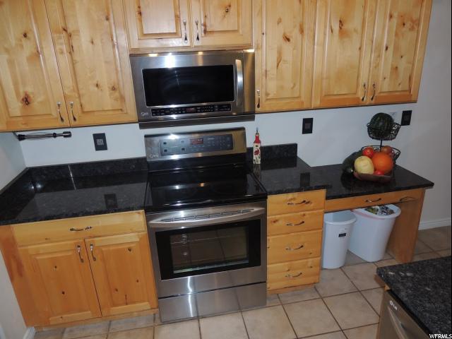 Additional photo for property listing at 9728 S WOODRIDGE Drive 9728 S WOODRIDGE Drive 南约旦, 犹他州 84095 美国