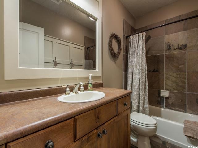Additional photo for property listing at 361 E ROSEWOOD Lane 361 E ROSEWOOD Lane North Salt Lake, Utah 84054 United States