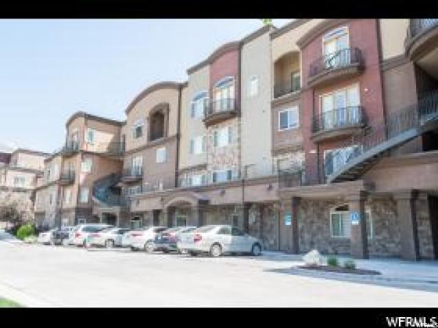 Condominio por un Venta en 5176 N UNIVERSITY Avenue 5176 N UNIVERSITY Avenue Unit: 213 Provo, Utah 84604 Estados Unidos