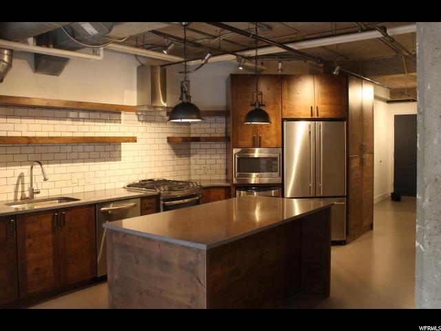 Condominium for Rent at 328 W 200 S 328 W 200 S Unit: 207 Salt Lake City, Utah 84101 United States