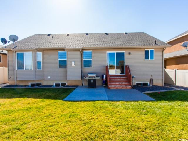 Additional photo for property listing at 652 W 25 N 652 W 25 N Clearfield, 犹他州 84015 美国