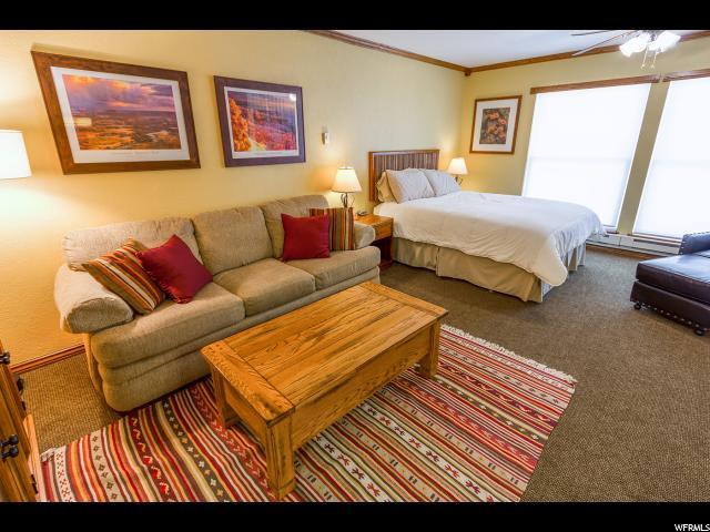 共管式独立产权公寓 为 销售 在 150 W RIDGE VIEW Street 150 W RIDGE VIEW Street Unit: 127 Brian Head, 犹他州 84719 美国
