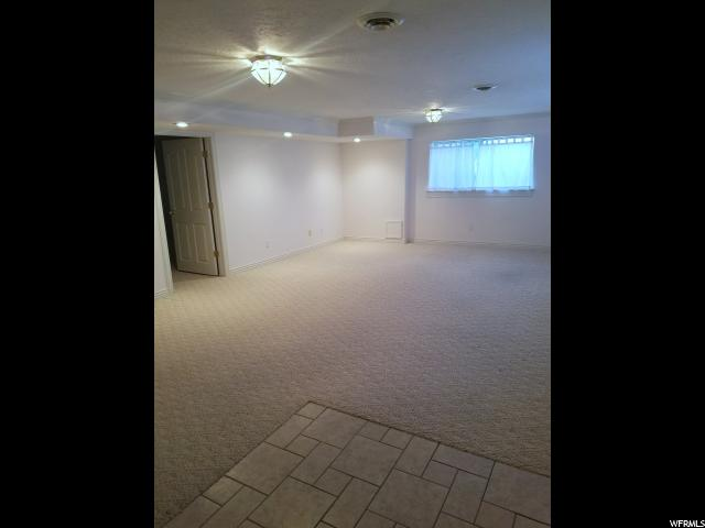 Additional photo for property listing at 9683 S 1600 W 9683 S 1600 W 南约旦, 犹他州 84095 美国