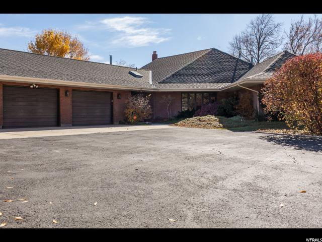 Unique la famille pour l Vente à 13065 S FORT Street 13065 S FORT Street Draper, Utah 84020 États-Unis