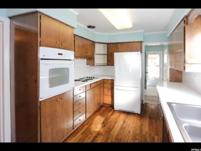 933 S CONNOR ST Salt Lake City, UT 84108 - MLS #: 1489321