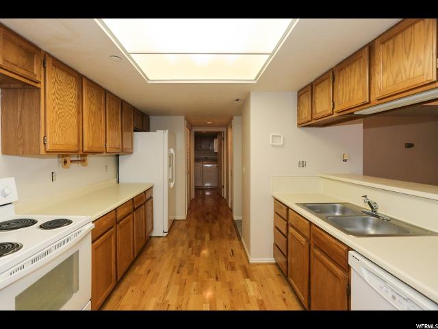 Additional photo for property listing at 3125 E KENNEDY 3125 E KENNEDY Unit: 305 Salt Lake City, Utah 84108 United States