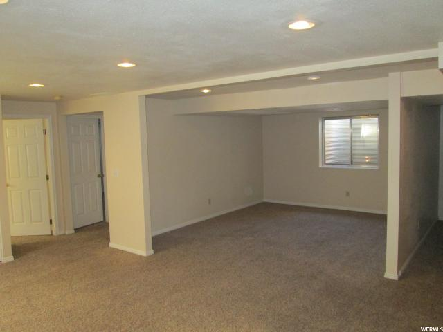 Additional photo for property listing at 1978 W 1520 N 1978 W 1520 N Clinton, 犹他州 84015 美国