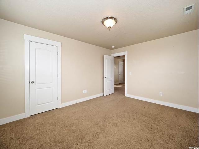 Additional photo for property listing at 4371 W IRON MOUNTATIN Drive 4371 W IRON MOUNTATIN Drive South Jordan, Utah 84095 États-Unis