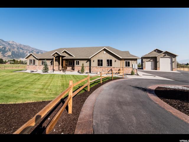 单亲家庭 为 销售 在 2875 W 5700 S 2875 W 5700 S Wellsville, 犹他州 84339 美国