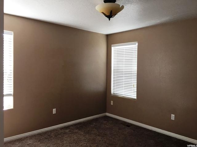 Additional photo for property listing at 593 S 2150 W 593 S 2150 W Vernal, 犹他州 84078 美国