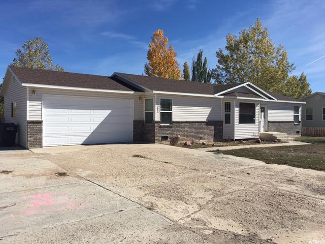 单亲家庭 为 销售 在 593 S 2150 W 593 S 2150 W Vernal, 犹他州 84078 美国