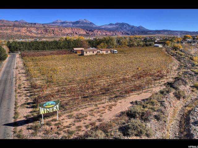 Comercial por un Venta en 02-0035-0031 & 32, 4710 S ZIMMERMAN Lane 4710 S ZIMMERMAN Lane Moab, Utah 84532 Estados Unidos