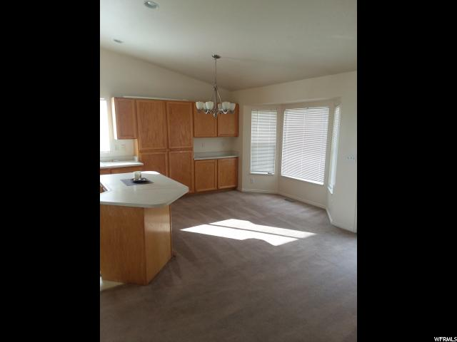 Additional photo for property listing at 3046 S 6070 W 3046 S 6070 W West Valley City, Utah 84128 États-Unis