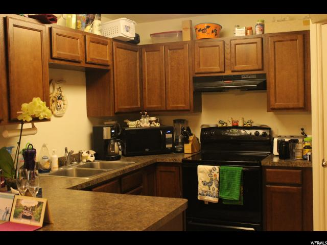 Additional photo for property listing at 3450 S 8000 W 3450 S 8000 W Unit: 218 Magna, Utah 84044 États-Unis