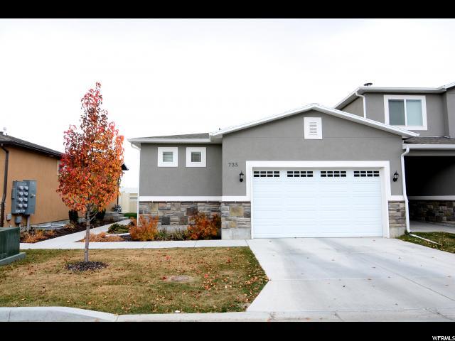 Maison accolée pour l Vente à 735 S 70 E 735 S 70 E Smithfield, Utah 84335 États-Unis