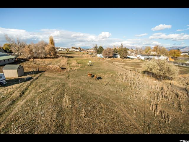 Additional photo for property listing at 6255 W 5800 S 6255 W 5800 S Hooper, Utah 84315 Estados Unidos