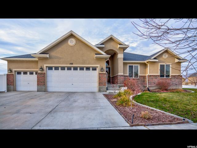 Unique la famille pour l Vente à 298 BEACH TREE Lane 298 BEACH TREE Lane Stansbury Park, Utah 84074 États-Unis