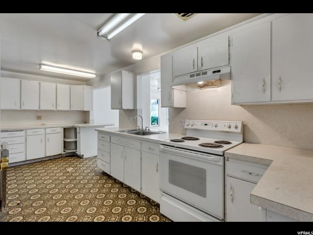 Additional photo for property listing at 1267 W 4600 S 1267 W 4600 S Riverdale, Utah 84405 Estados Unidos