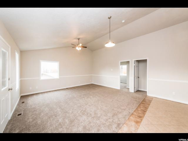 Additional photo for property listing at 476 E 85 S 476 E 85 S Hyde Park, 犹他州 84318 美国