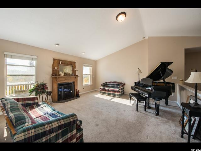 Additional photo for property listing at 1444 E 2400 N 1444 E 2400 N Layton, Юта 84040 Соединенные Штаты