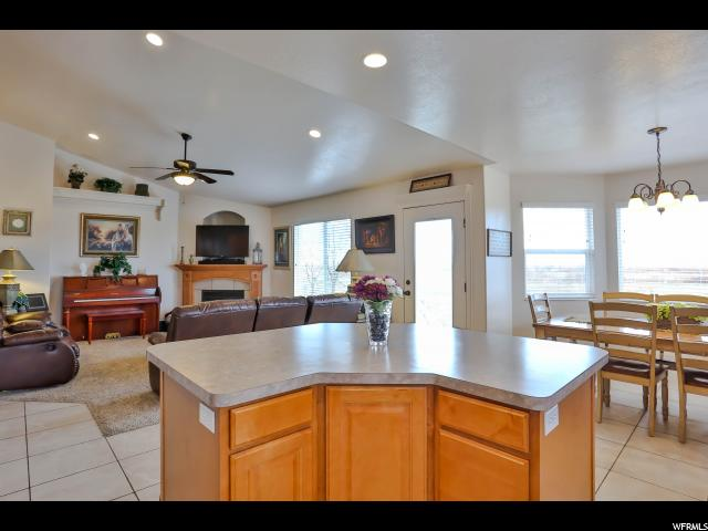 Additional photo for property listing at 1016 VIEW CREST Lane 1016 VIEW CREST Lane Kaysville, Utah 84037 Estados Unidos