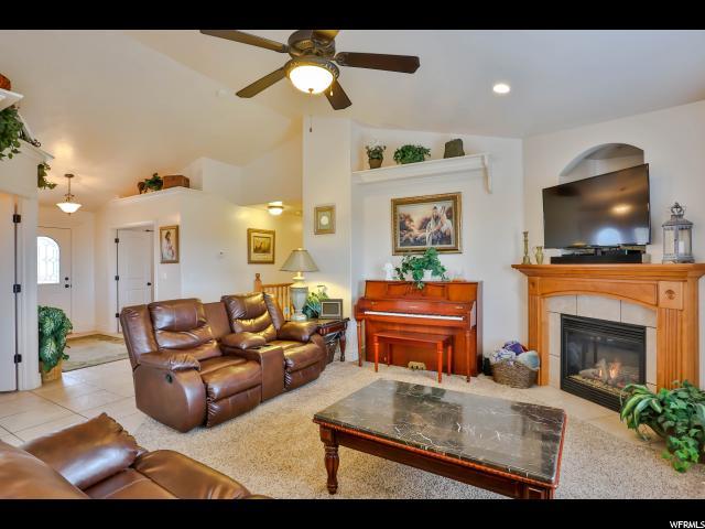 Additional photo for property listing at 1016 VIEW CREST Lane 1016 VIEW CREST Lane Kaysville, Utah 84037 Estados Unidos