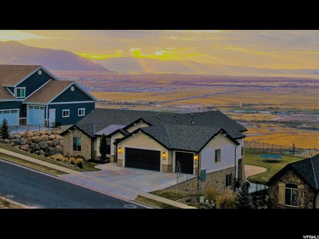 Single Family for Sale at 850 S PARKWAY Drive 850 S PARKWAY Drive North Salt Lake, Utah 84054 United States