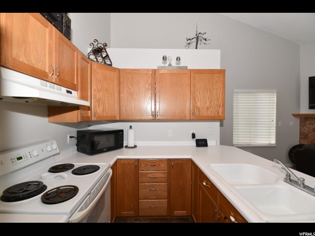 9237 S JEFFERSON CV Sandy, UT 84070 - MLS #: 1490540